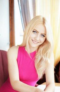 Charming_Blond