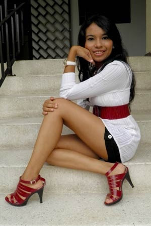 hispanic single women in shaw Hispanic dating: family matters in most latin communities, family is of the utmost importance enter into a relationship with respect for the family you're about to join significant others.